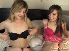 Zusammen masturbieren Teen Mädchen Süße Mädchen