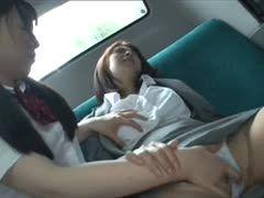 Schwanzmelkparty mit behaarten japanischen Freundinnen